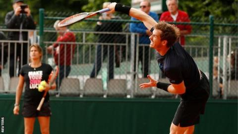 Andy Murray watched by Amelie Mauresmo
