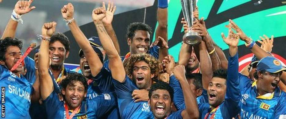 Sri Lanka with the World Twenty20 trophy in 2014