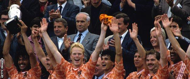 Gullit and Koeman celebrate winning the 1988 European Championship