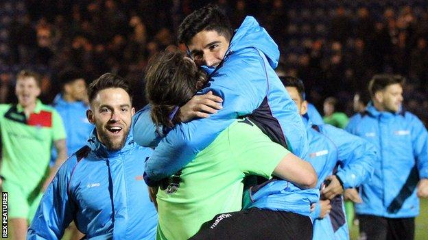 Oxford City celebrate beating Colchester