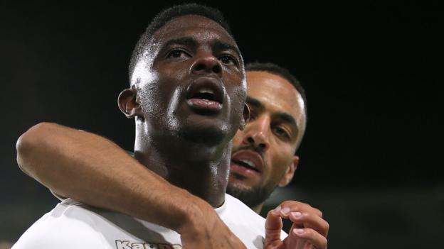 Burnley 2-2 Leeds United (3-5 on pens)