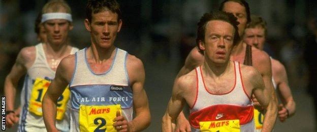 Steve Jones (2) and Charlie Spedding (1) leading the 1985 London Marathon.