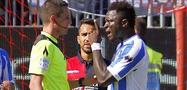 Muntari argued his case with referee Daniele Minelli
