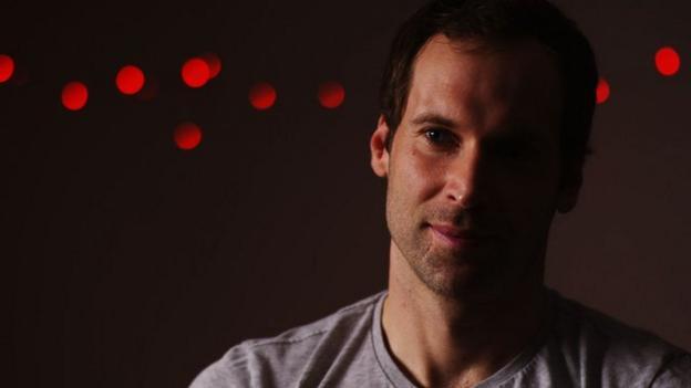 Arsenal can win Premier League title - Petr Cech - BBC Sport