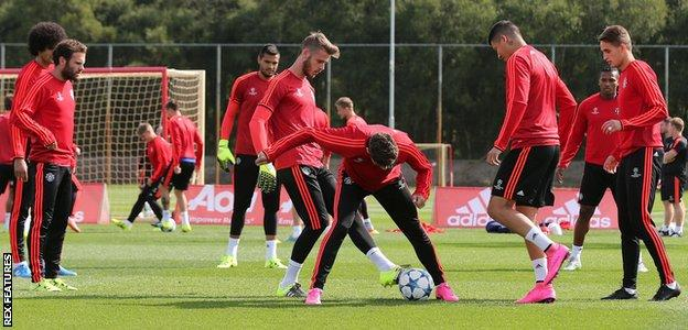 Man Utd goalkeeper David de Gea training with outfield players