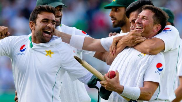 England v Pakistan: Tourists win Lord's thriller