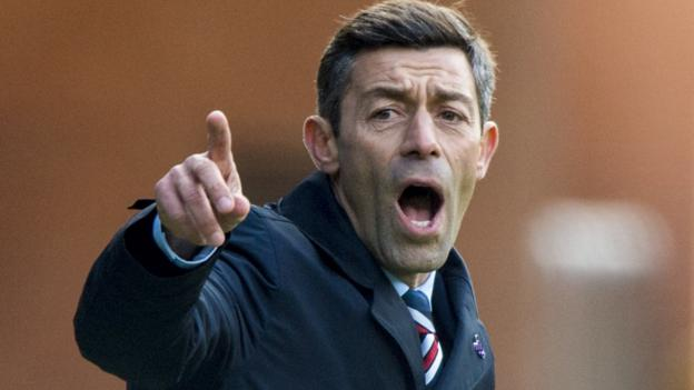 'I'd do the same', Caixinha on Brown red card challenge