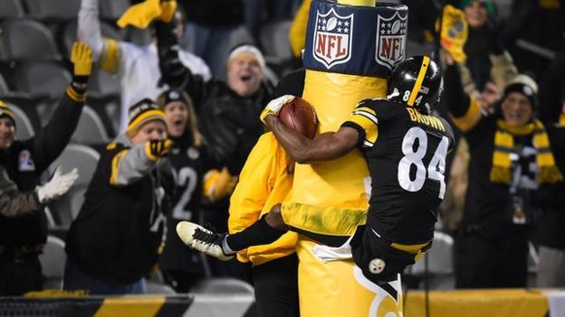 NFL: Antonio Brown's eye-watering touchdown celebration for ...
