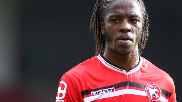 Romaine Sawyers: Midfielder among 12 Walsall players offered new deals - BBC Sport
