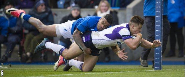Huw Jones scores for Scotland against Samoa