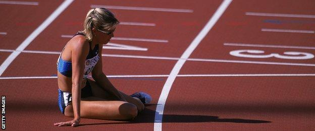 Suzy Hamilton at the 2001 IAAF World Championships in Alberta, Canada