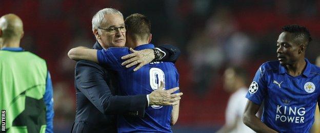 Claudio Ranieri hugs Jamie Vardy