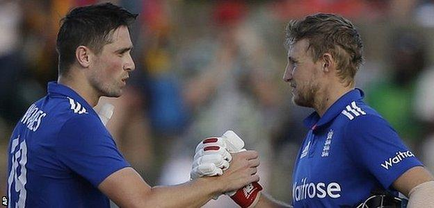 Woakes and Root