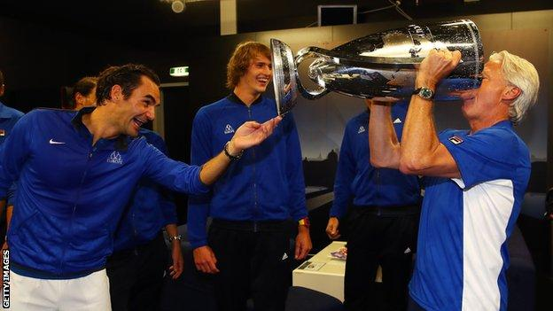 Bjorn Borg drinks from the Laver Cup