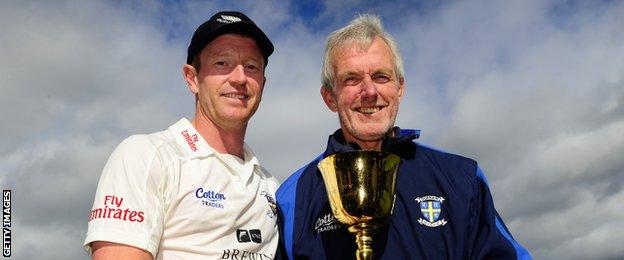 Paul Collingwood (left) & Geoff Cook (right)