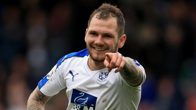 Tranmere Rovers 2 2 Aldershot Town Agg 5 2 BBC Sport