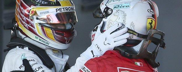 Hamilton congratulates Vettel