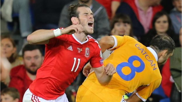 Moldova v Wales: Ryan Giggs backs experience for World Cup qualifying test