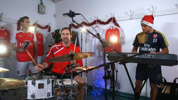 Arsenal's Petr Cech, Alexis Sanchez & Nacho Monreal play song ...