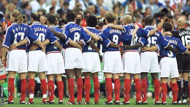 The French team line up ahead of the 1998 World Cup final