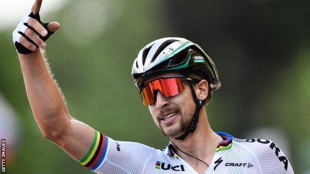 Peter Sagan celebrates victory