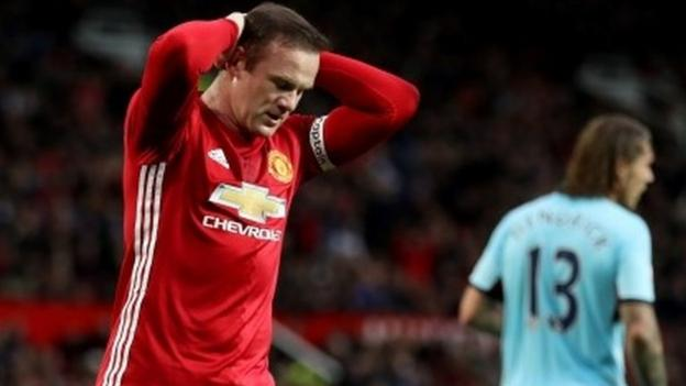 37 shots for 10-man United in goalless Burnley draw