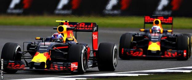 http://ichef.bbci.co.uk/onesport/cps/624/cpsprodpb/64E9/production/_90333852_red_bull_getty.jpg