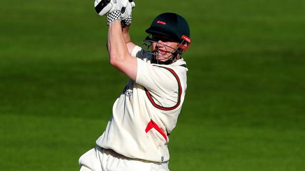 County Championship: Niall O'Brien hits 87 in Foxes win - BBC Sport