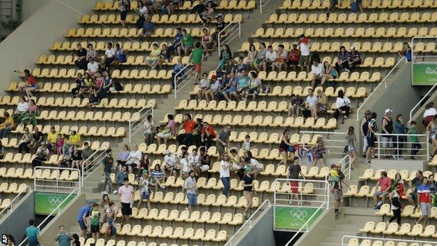Diving venue seats