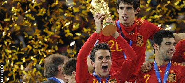 Fabregas lifts the World Cup