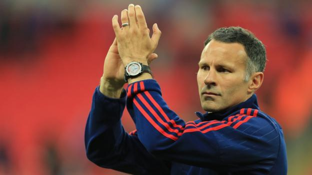 Ryan Giggs: Sir Alex Ferguson says Welshman has 'steel' to be a manager
