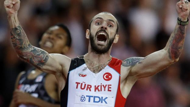 Guliyev beats Van Niekerk to win shock 200m gold - highlights & report