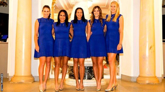 Anne Keothavong (C), captain of the Great Britain Fed Cup team and (L-R) Johanna Konta, Heather Watson, Laura Robson and Jocelyn Rae