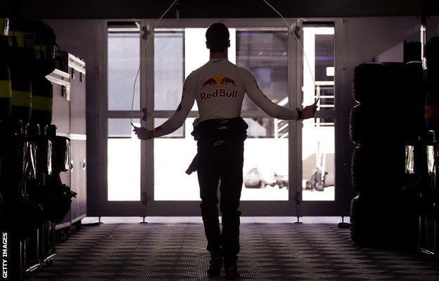 Daniil Kvyat uses a skipping rope in the Red Bull garage