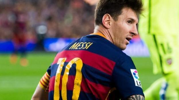 Lionel Messi returns to Barcelona training after knee injury - BBC Sport