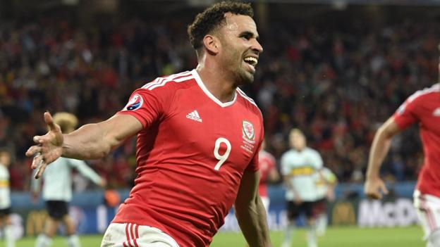 Euro 2016: Wales' Hal Robson-Kanu gets playing offers from 'around the world'