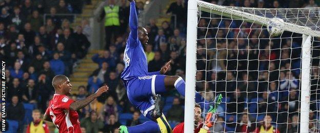 Sol Bamba goal