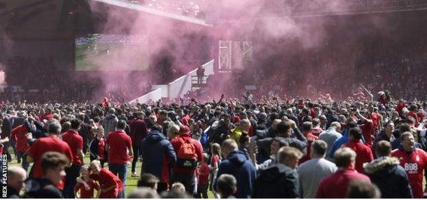 Forest fans celebrate their Championship survival