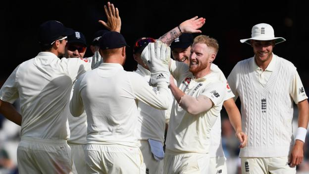 England close in on victory over South Africa - highlights & report