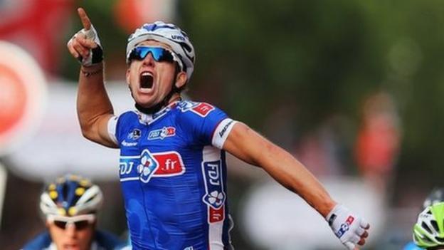 Cycling: Arnaud Demare wins RideLondon - BBC Sport