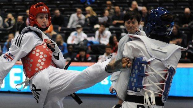 Taekwondo: Bianca Walkden and Mahama Cho win bronze in China - BBC Sport