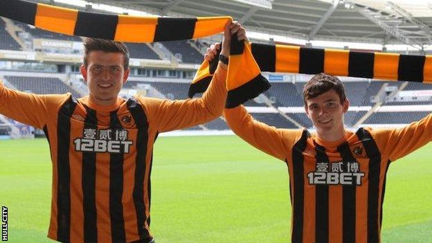 Hull City sign defenders Andrew Robertson and Harry Maguire - BBC Sport