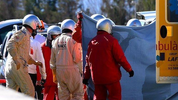 Fernando Alonso: McLaren driver concussed after crash - BBC Sport