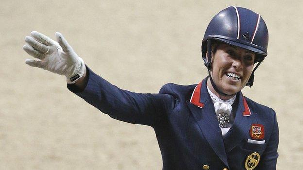 Charlotte dujardin and valegro win world cup title in las for Dujardin kelly