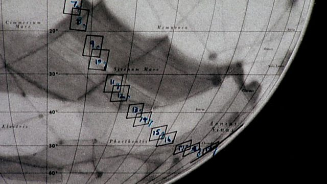 Mariner reveals Mars