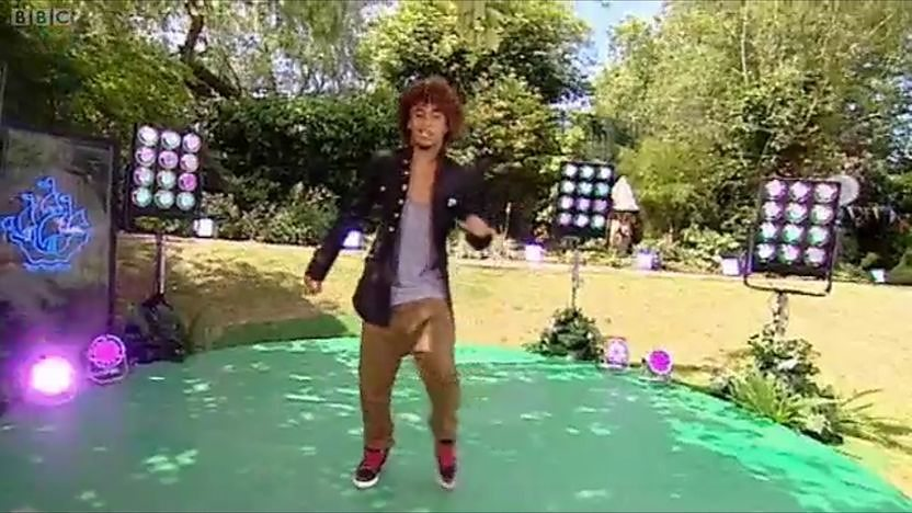 Sisco Gomez dancing in the Blue Peter garden.