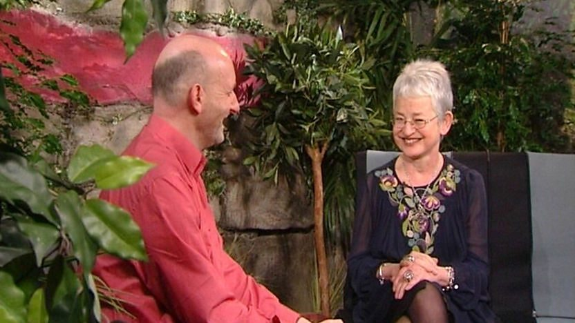 Jacqueline Wilson talking to Nick Sharratt.