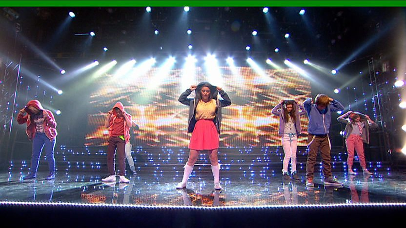 Elevate perform on Sport Relief Does Glee Club