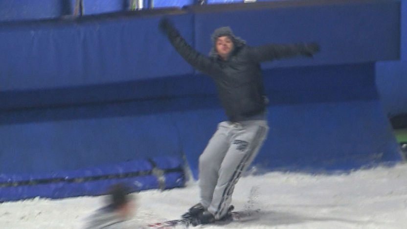 Barney Harwood falling over while Skiing.