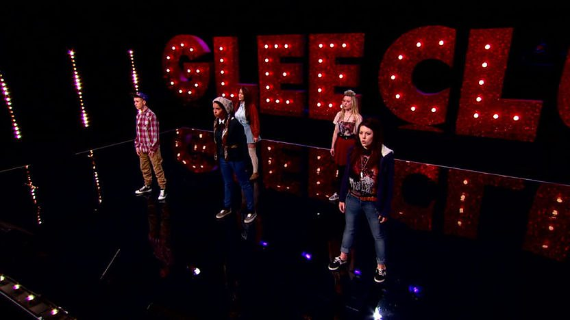 Blue Note perform on Comic Relief Does Glee Club